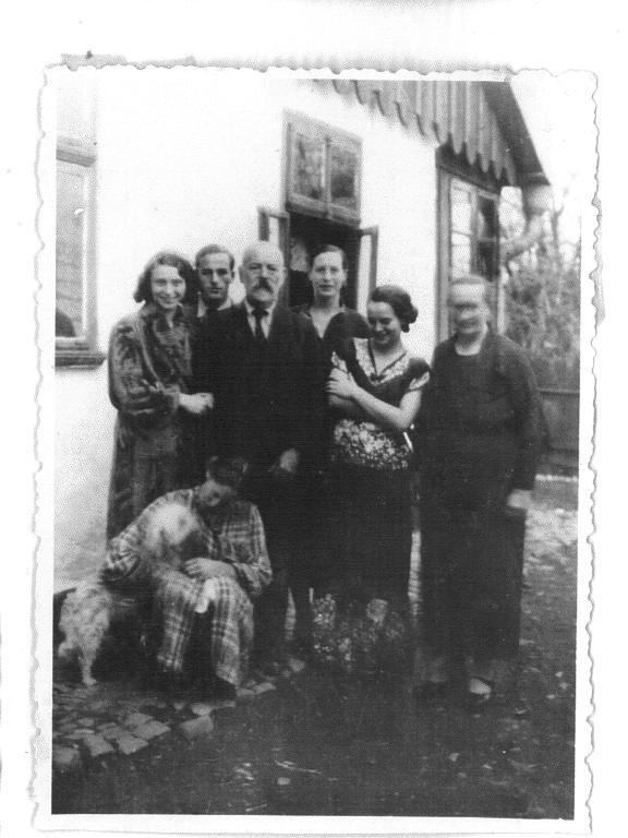 Mueller Family 34