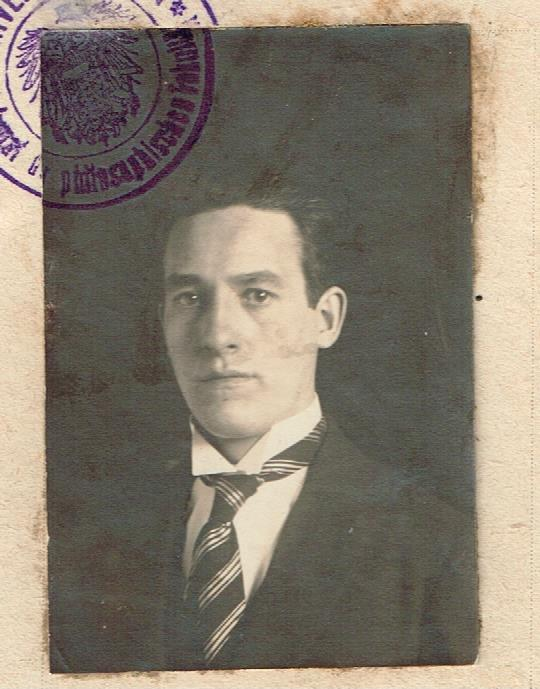 Mueller August Heinrich 1924 or 25, age 26